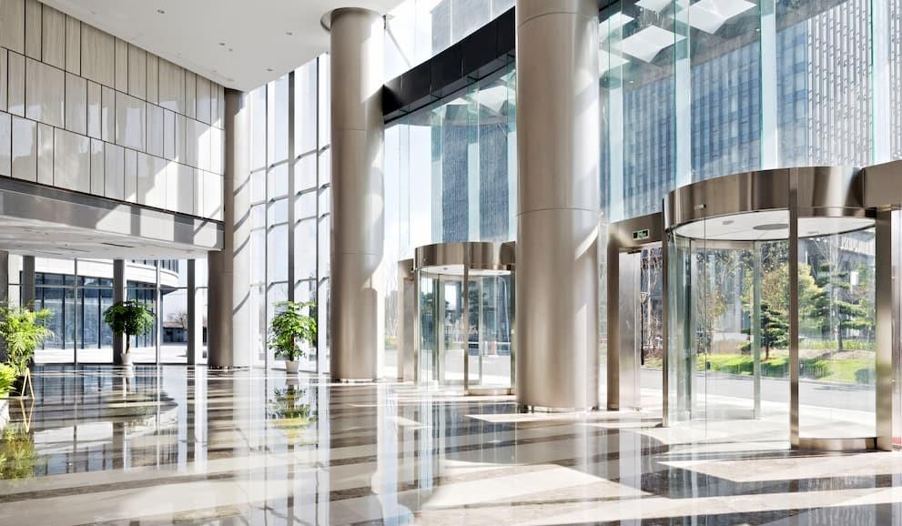 Limpieza y desinfección en edificios públicos